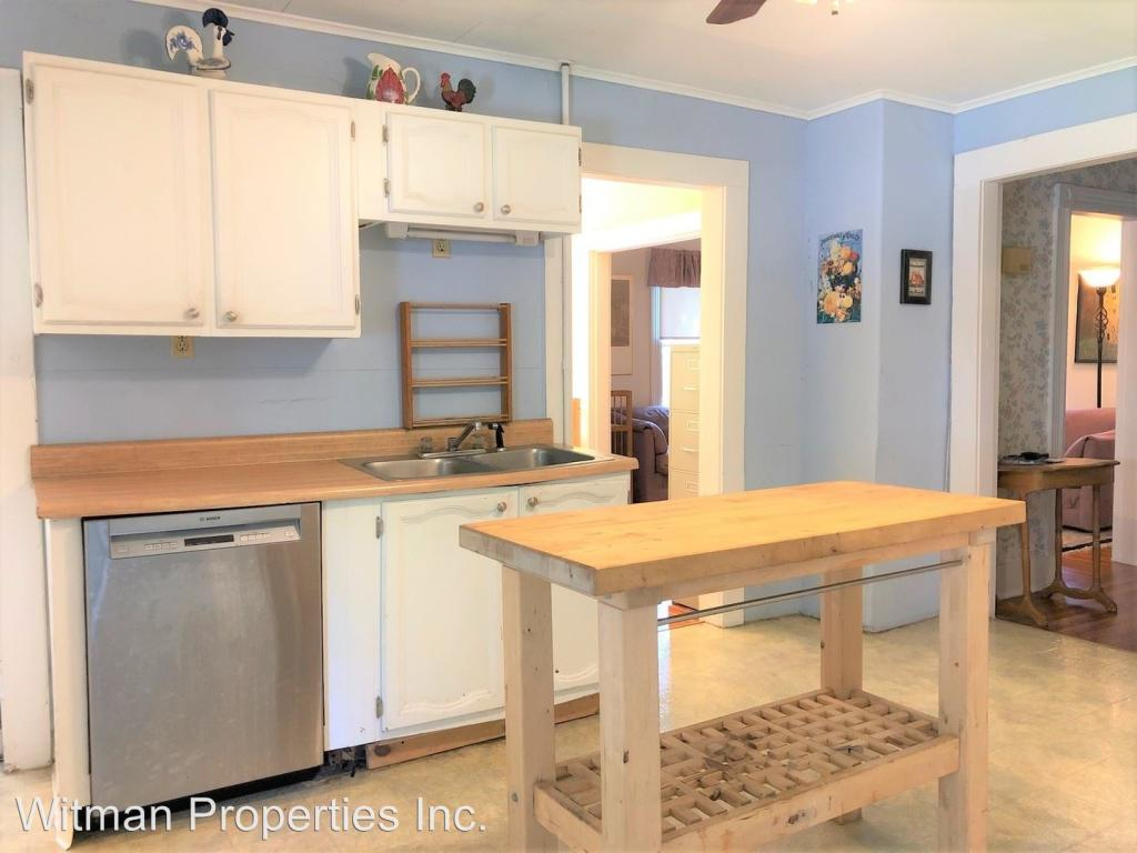 68 Milton St #1, Florence, MA 01062 - 2 Bed, 1 Bath Multi-Family Home For  Rent - 17 Photos | Trulia