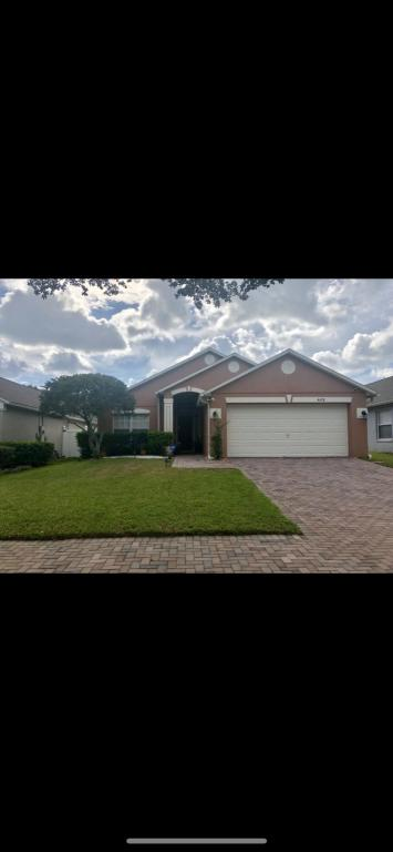 Excellent Conroy Club Dr And Sunquest Dr Orlando Fl 32835 3 Bed 2 Bath Single Family Home For Rent 9 Photos Trulia Interior Design Ideas Ghosoteloinfo