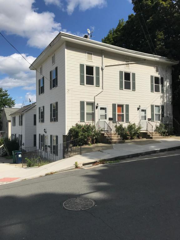 11 Foster St #1, Danbury, CT 06810 - 2 Bed, 1 Bath Multi-Family Home For  Rent - 7 Photos   Trulia