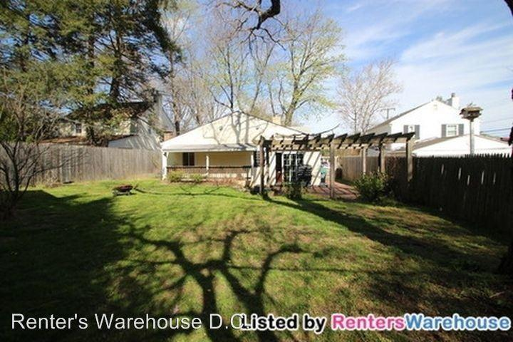 103 W Westmoreland Rd, Falls Church, VA 22046