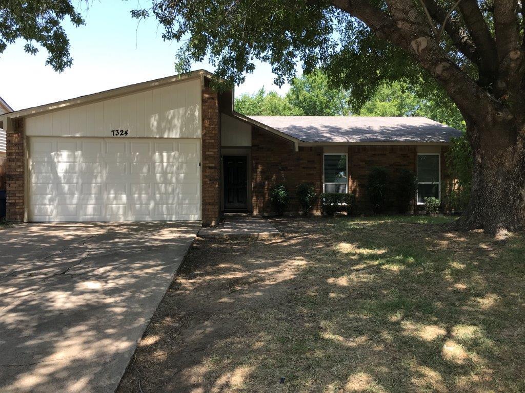 7324 Lea Pl, Fort Worth, TX 76140