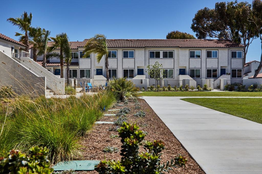 Surfside Villas Apartments In Huntington Beach Ca 92648 3 4 Bed 1 5 2 5 Bath Rentals 15 Photos Trulia