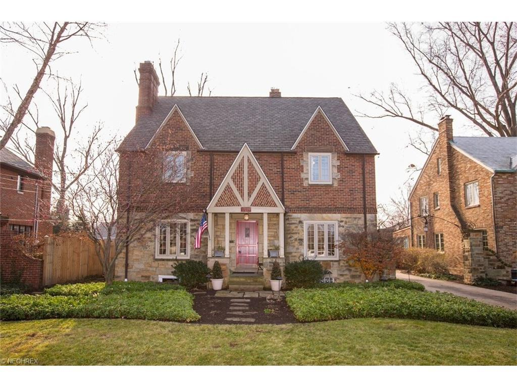 17229 Edgewater Dr Lakewood Oh 4 Bed 3 Bath Single