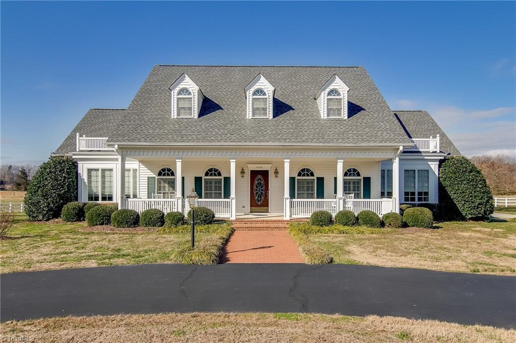 1645 Squire Davis Rd, Kernersville, NC 27284 - 4 Bed, 4 Bath Single-Family  Home - MLS# 917621 - 30 Photos   Trulia