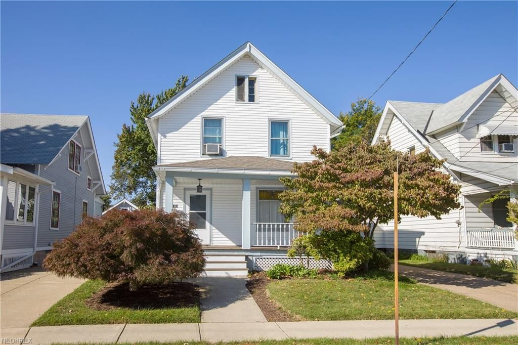 Wondrous 1342 Park Row Lakewood Oh 3 Bed 1 Bath Single Family Squirreltailoven Fun Painted Chair Ideas Images Squirreltailovenorg