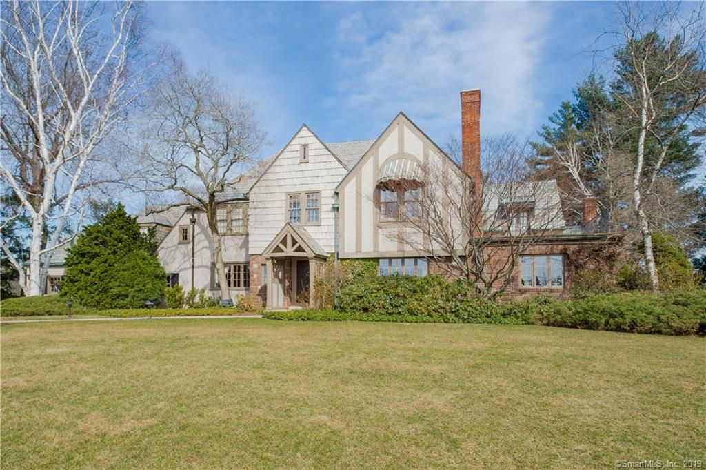 Superb 300 S Main St West Hartford Ct 4 Bed 3 Bath Single Interior Design Ideas Inesswwsoteloinfo