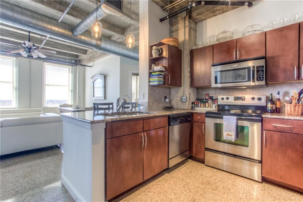 221 W Lancaster Ave 9011 Fort Worth Tx 2 Bed 2 Bath