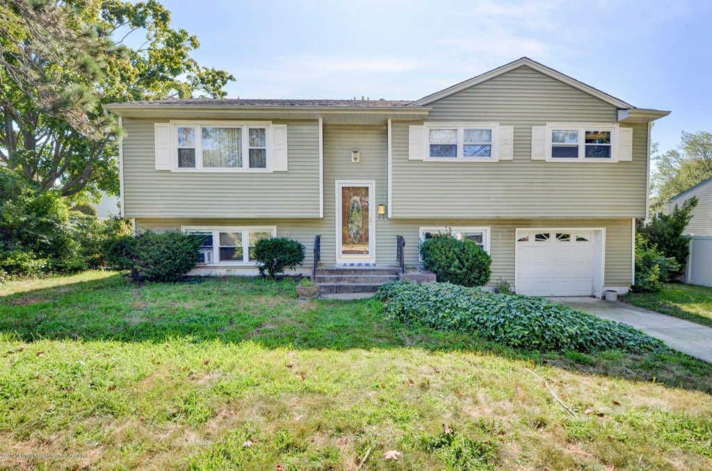 22 Oliver Dr, Neptune, NJ - 4 Bed, 2 Bath Single-Family Home
