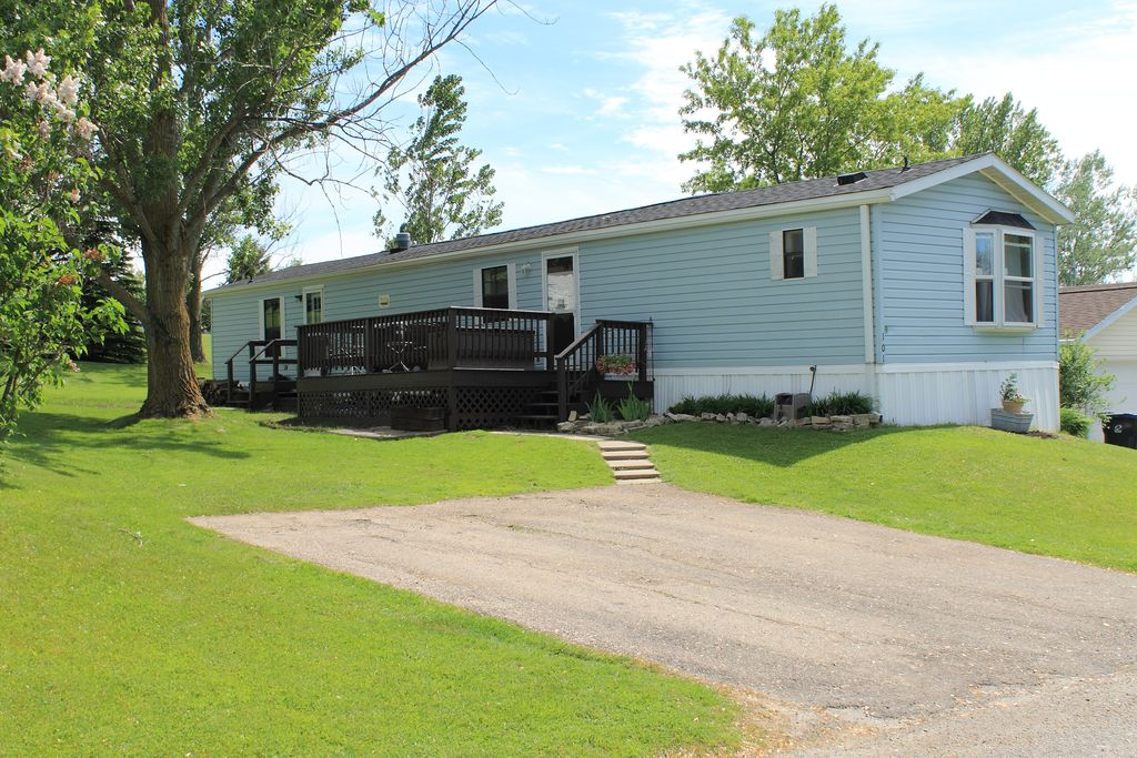 101 Ajay Dr, Theresa, WI - 3 Bed, 2 Bath - 27 Photos | Trulia  Skyline Bedroom Mobile Home on loft mobile homes, a frame homes, living room mobile homes, bathroom mobile homes, 2 floor mobile homes, for rent mobile homes, 1 bedroom homes, 4 bedroom mobile homes, kitchen mobile homes, furnished mobile homes, deck mobile homes, park model homes, villa mobile homes, double mobile homes, 3 bedroom mobile homes, jacobsen mobile homes, 5 bedroom mobile homes, small log homes, six-bedroom mobile homes, patriot mobile homes,