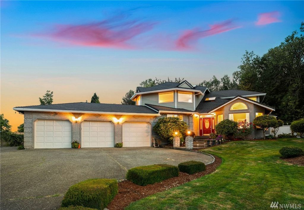16456 53rd Pl S Seattle Wa 98188 4 Bed 3 Bath Single Family Home Mls 1493480 25 Photos Trulia