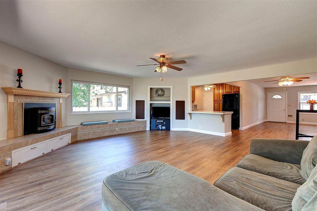 31659 Carroll Ave, Hayward, CA - 2 Bed, 1 Bath Single-Family