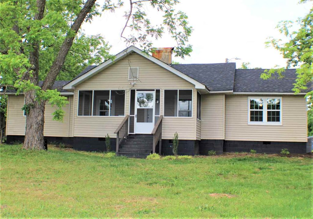 1380 W Main St Pacolet Sc 2 Bed 1 Bath Single Family