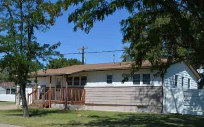 204 W 8th St, Hugoton, KS - 5 Bed, 3 Bath Single-Family Home ... Plat Map Of Hugoton Ks on