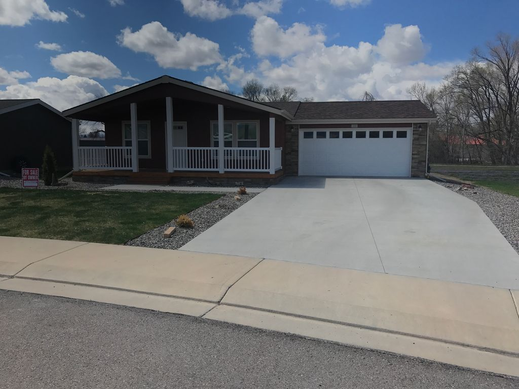 220 Castle Ave Montrose Co 81401 3 Bed 2 Bath Mobile Manufactured Mls 757097 32 Photos Trulia