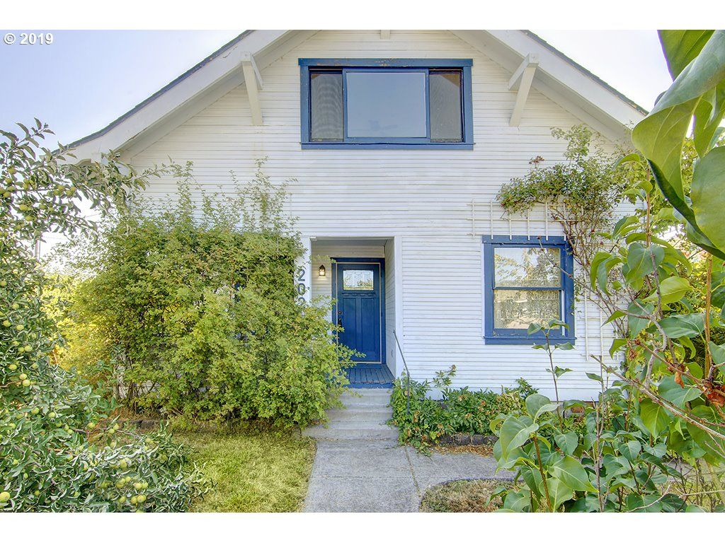 Astounding 202 S S St Cottage Grove Or 97424 5 Bed 2 Bath Single Family Home Mls 19467096 27 Photos Trulia Interior Design Ideas Gentotryabchikinfo