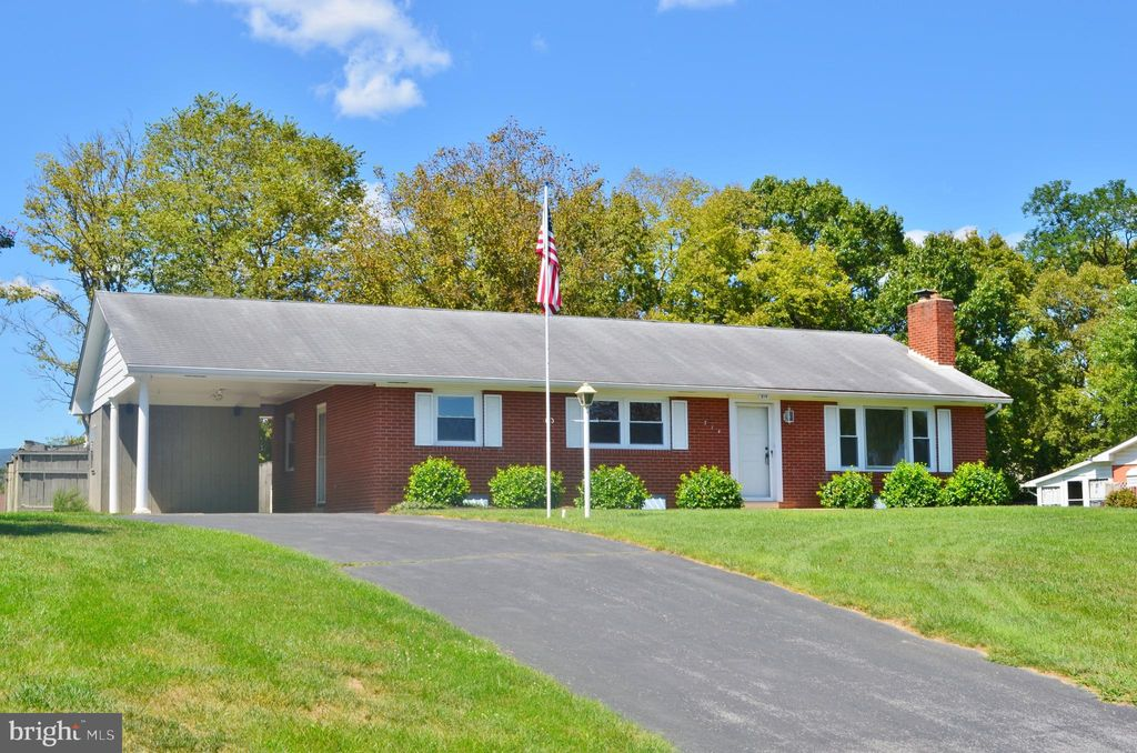 314 Dawn Ave, Woodstock, VA 22664 - 3 Bed, 2 Bath Single-Family Home - MLS#  VASH117060 - 38 Photos | Trulia