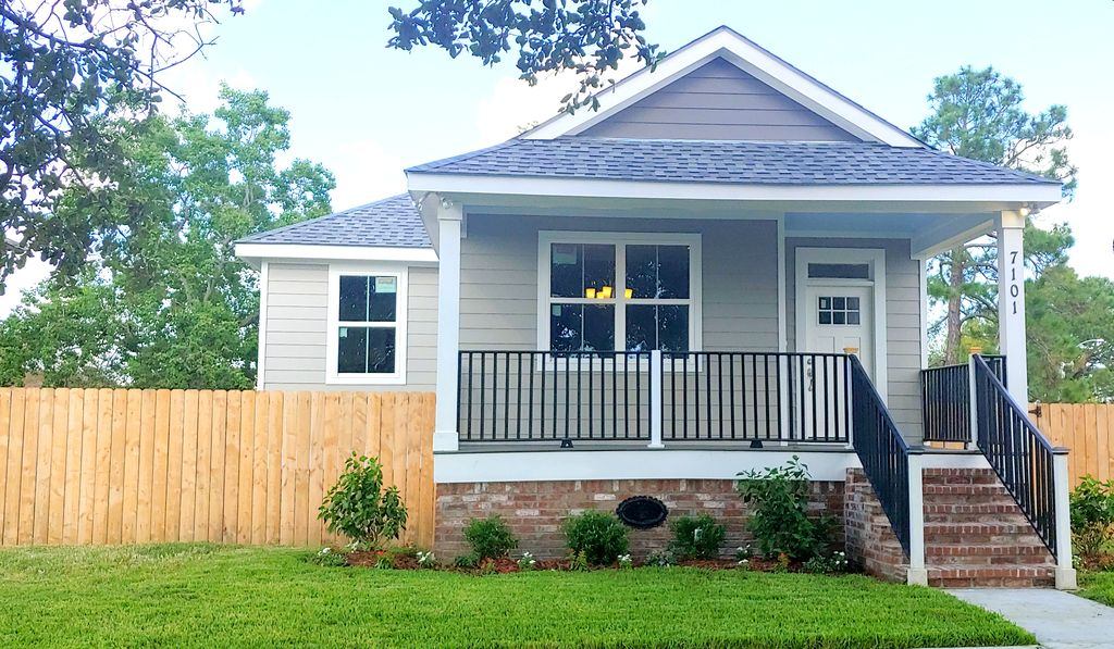 Tremendous 7101 Read Blvd New Orleans La 70127 3 Bed 2 Bath Single Family Home Mls 2216588 11 Photos Trulia Home Interior And Landscaping Synyenasavecom