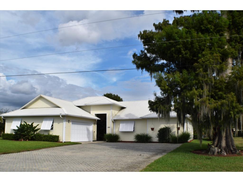 1112 SE 1112th Ave, Okeechobee, FL - 112 Bed, 112.12 Bath Single-Family