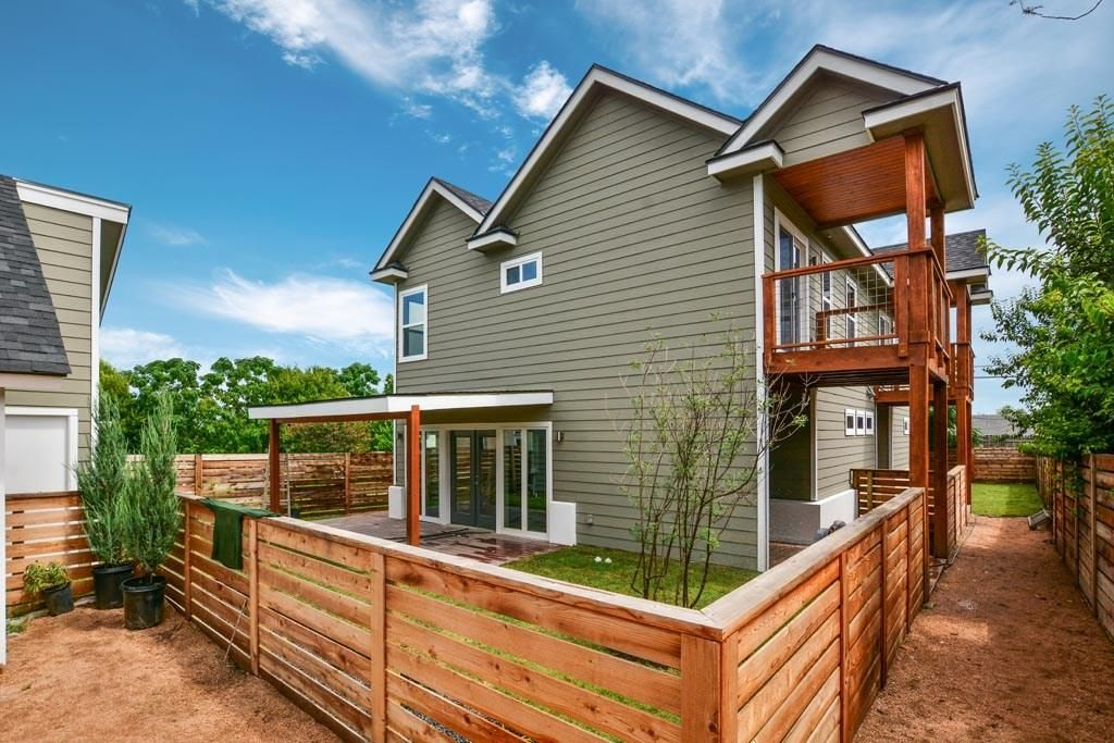 Brilliant 7009 Blessing Ave A Austin Tx 78752 3 Bed 3 Bath Single Family Home Mls 5822285 26 Photos Trulia Download Free Architecture Designs Scobabritishbridgeorg