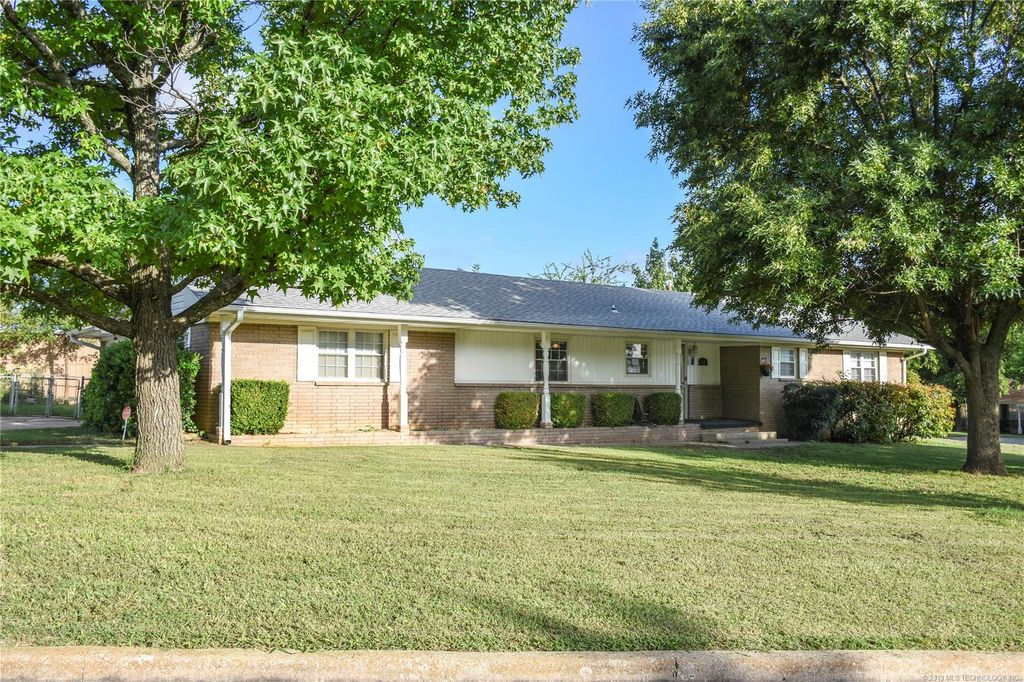 Cool 830 W 23Rd St Ada Ok 3 Bed 1 75 Bath Single Family Home Download Free Architecture Designs Meptaeticmadebymaigaardcom