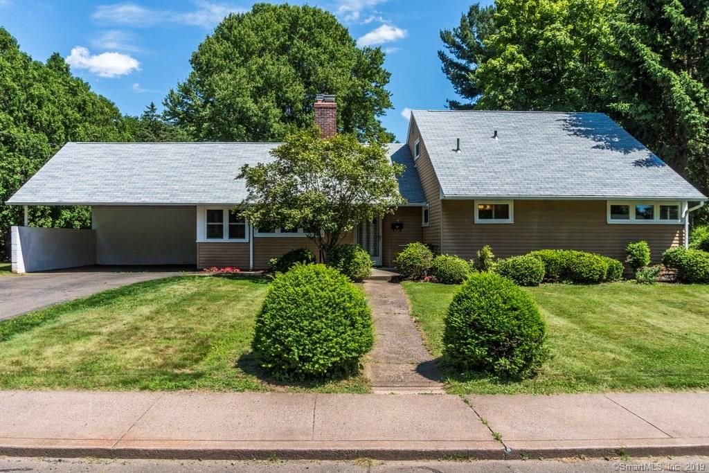126 Conway Rd, Manchester, CT - 4 Bed, 3 Bath Single-Family Home ...