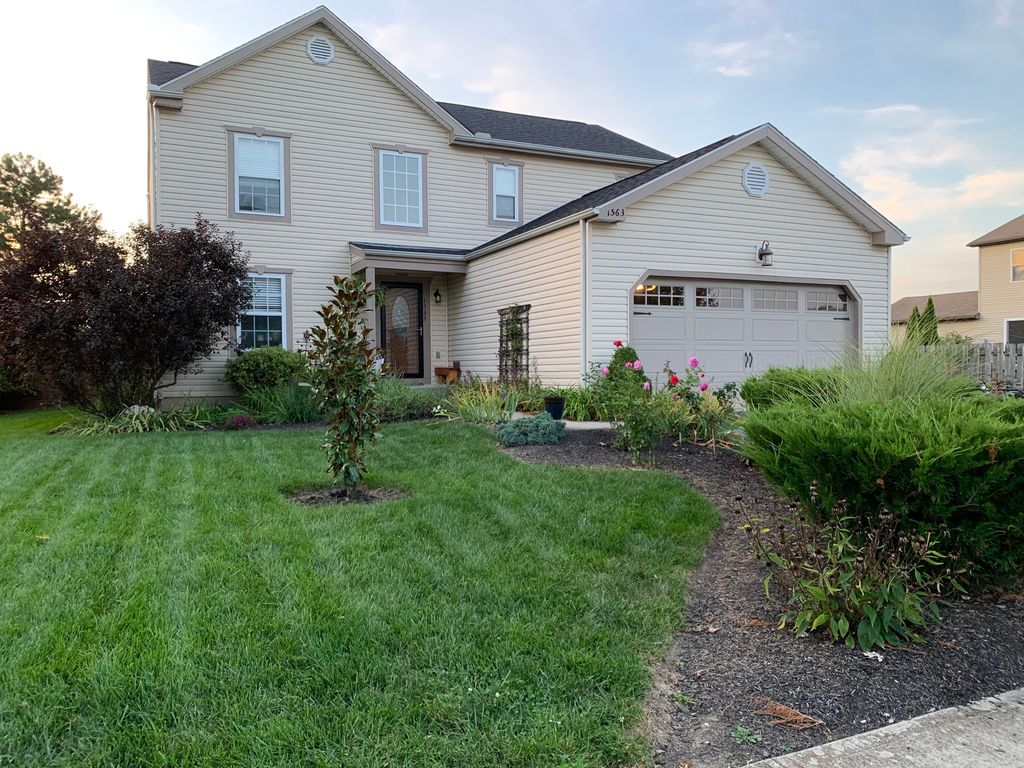 1563 Rebecca Dr, Marysville, OH 43040 - 3 Bed, 3 Bath Single-Family on zillow property for rent, zillow homes values estimates, zillow homes for rent,