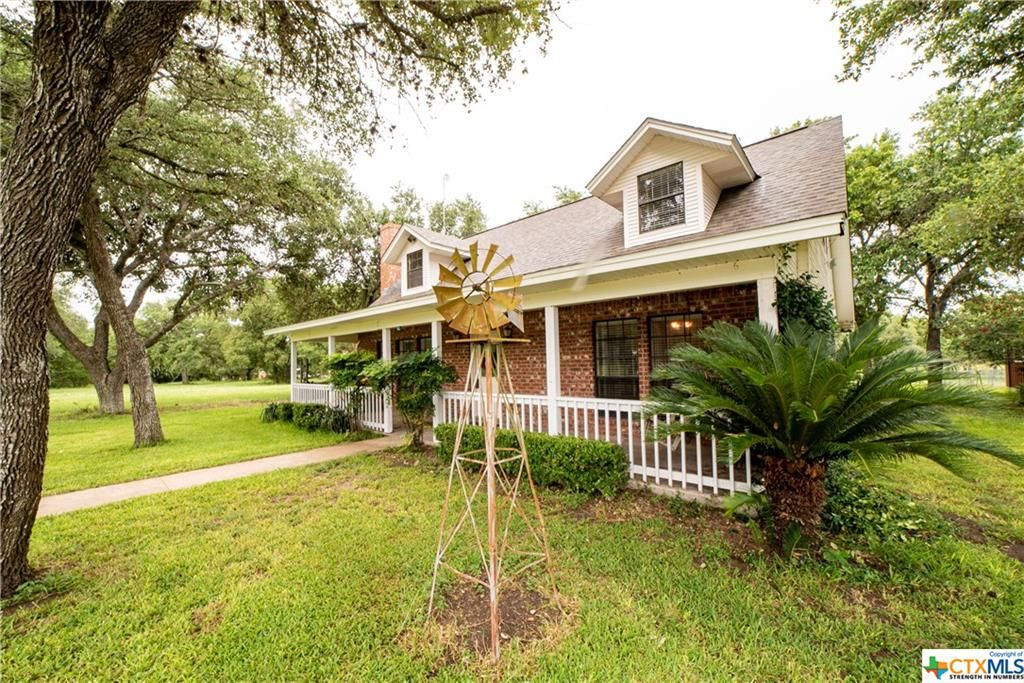 Marvelous 592 Mueller Rd Victoria Tx 77905 3 Bed 3 Bath Single Family Home Mls 382770 35 Photos Trulia Home Interior And Landscaping Pimpapssignezvosmurscom