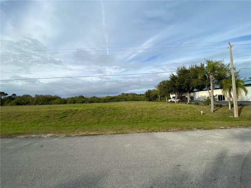 425 3rd Ln SW, Vero Beach, FL 32962