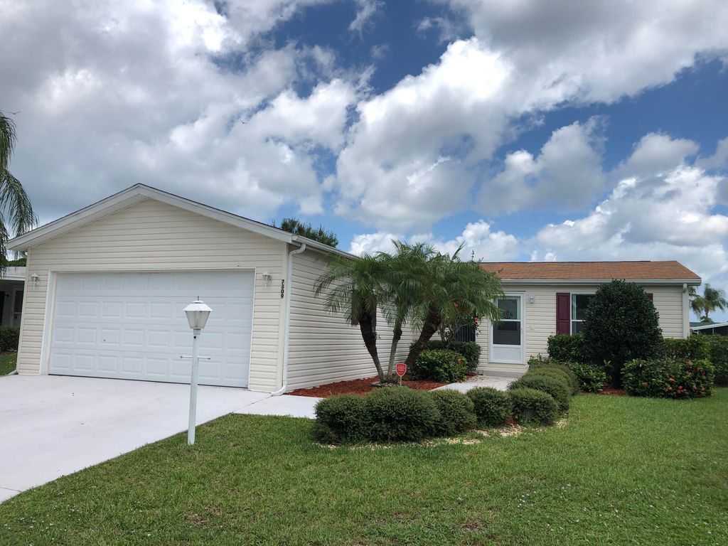 Fine 7809 Horned Lark Cir Pt Saint Lucie Fl 34952 3 Bed 2 Bath Mobile Manufactured Mls Rx 10553442 24 Photos Trulia Interior Design Ideas Gresisoteloinfo