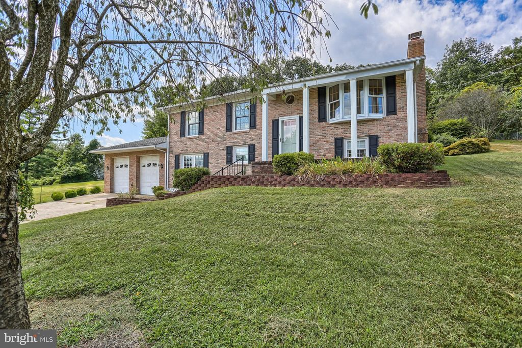 Incredible 2104 Wentworth Dr Bel Air Md 21015 3 Bed 3 Bath Single Family Home Mls Mdhr237862 50 Photos Trulia Interior Design Ideas Oxytryabchikinfo