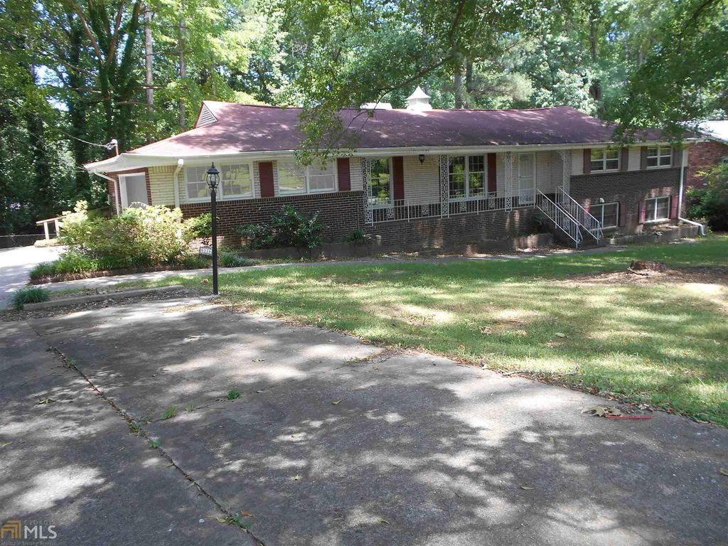 6116 Navaho Trl, Morrow, GA 30260 - 5 Bed, 3 Bath Single-Family Home - MLS#  8636578 - 30 Photos | Trulia