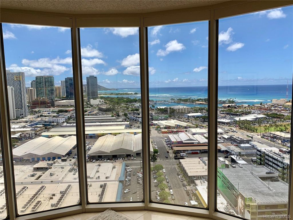Prime 425 South St 2801 Honolulu Hi 96813 2 Bed 2 Bath Townhouse Mls 201923432 11 Photos Trulia Download Free Architecture Designs Rallybritishbridgeorg