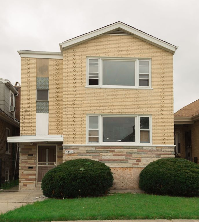7240 S Washtenaw Ave, Chicago, IL 60629 - 4 Bed, 2 Bath Multi-Family Home -  MLS# 10510624 - 14 Photos | Trulia