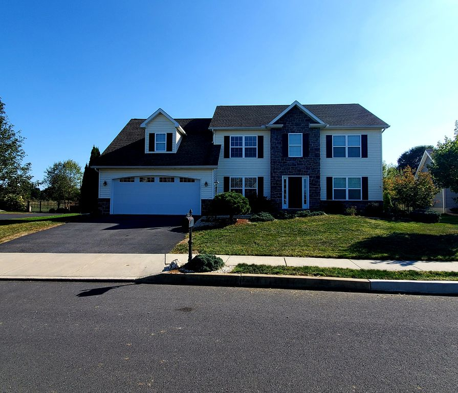 816 Tamanini Way Mechanicsburg Pa 17055 4 Bed 3 Bath Single Family Home 12 Photos Trulia