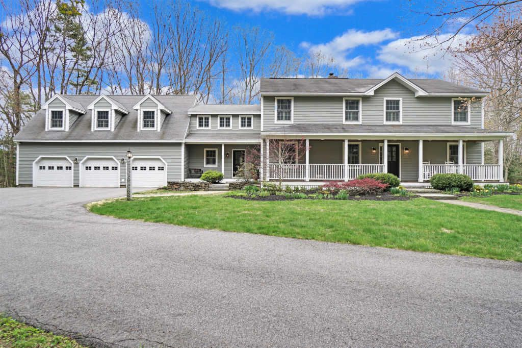 60 Old Blue Point Rd, Scarborough, ME 04074
