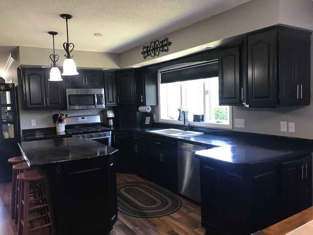 1616 9th Ave SE, Jamestown, ND 58401 - 4 Bed, 2.5 Bath Single-Family Home -  MLS# 29-246 - 25 Photos | Trulia