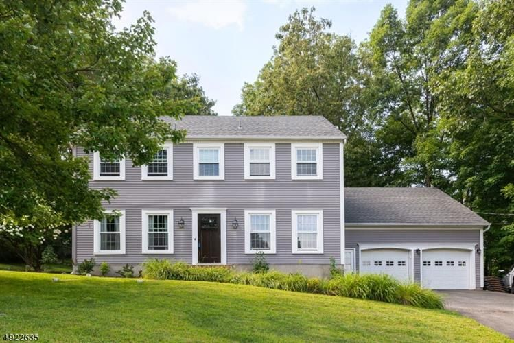 Awesome 2 Cambridge Dr Sparta Nj 07871 4 Bed 3 Bath Single Family Home Mls 3580145 23 Photos Trulia Interior Design Ideas Gentotthenellocom