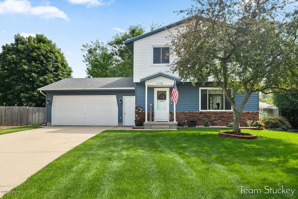 4776 Millhaven Dr SE, Kentwood, MI 49548 - 3 Bed, 2 Bath Single-Family Home  - MLS# 19044137 - 28 Photos | Trulia