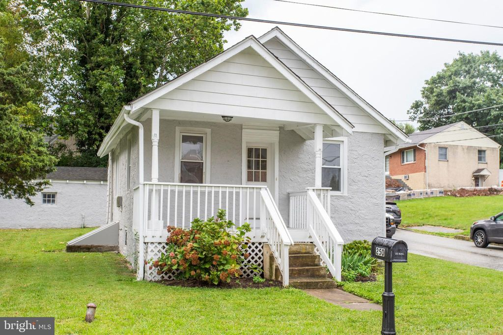 Fantastic 250 Hillside Ave Plymouth Meeting Pa 19462 2 Bed 1 Bath Single Family Home Mls Pamc620974 17 Photos Trulia Home Interior And Landscaping Fragforummapetitesourisinfo