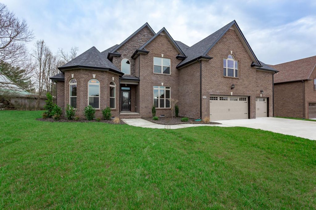 Marvelous 3200 Porter Hills Dr Clarksville Tn 37043 4 Bed 4 Bath Single Family Home Mls 2016908 25 Photos Trulia Home Interior And Landscaping Transignezvosmurscom
