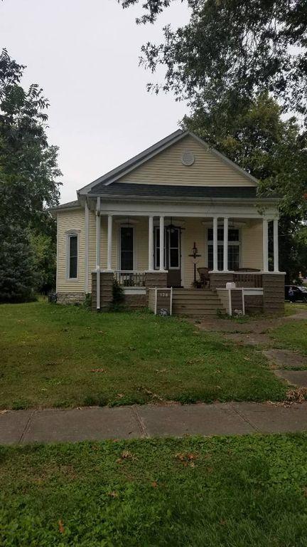 128 N Jacksonville St, White Hall, IL 62092