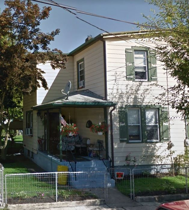 1011 W 4th St, Florence, NJ 08518 - 3 Bed, 1 Bath Single-Family Home  For Adults Tree House Plans on