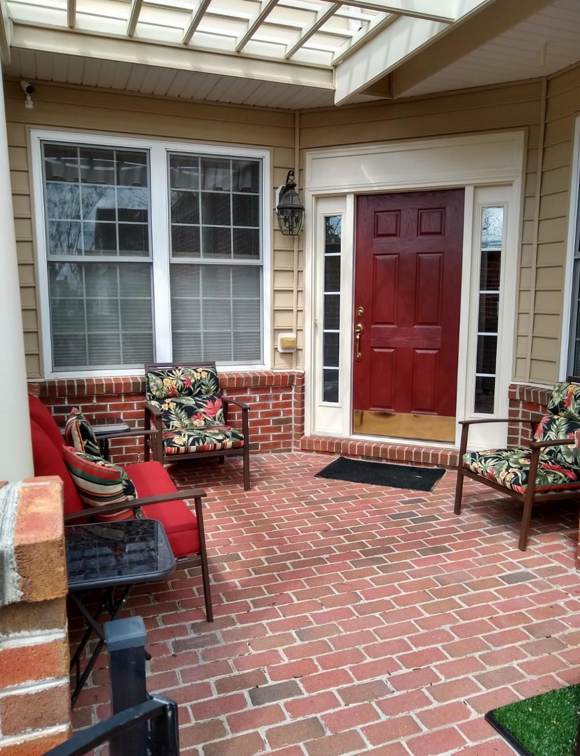 Adare Manor Sq and Crescent Pointe Pl, Ashburn, VA 20147 - 1 Bed, 1 Bath  Room For Rent - 3 Photos | Trulia