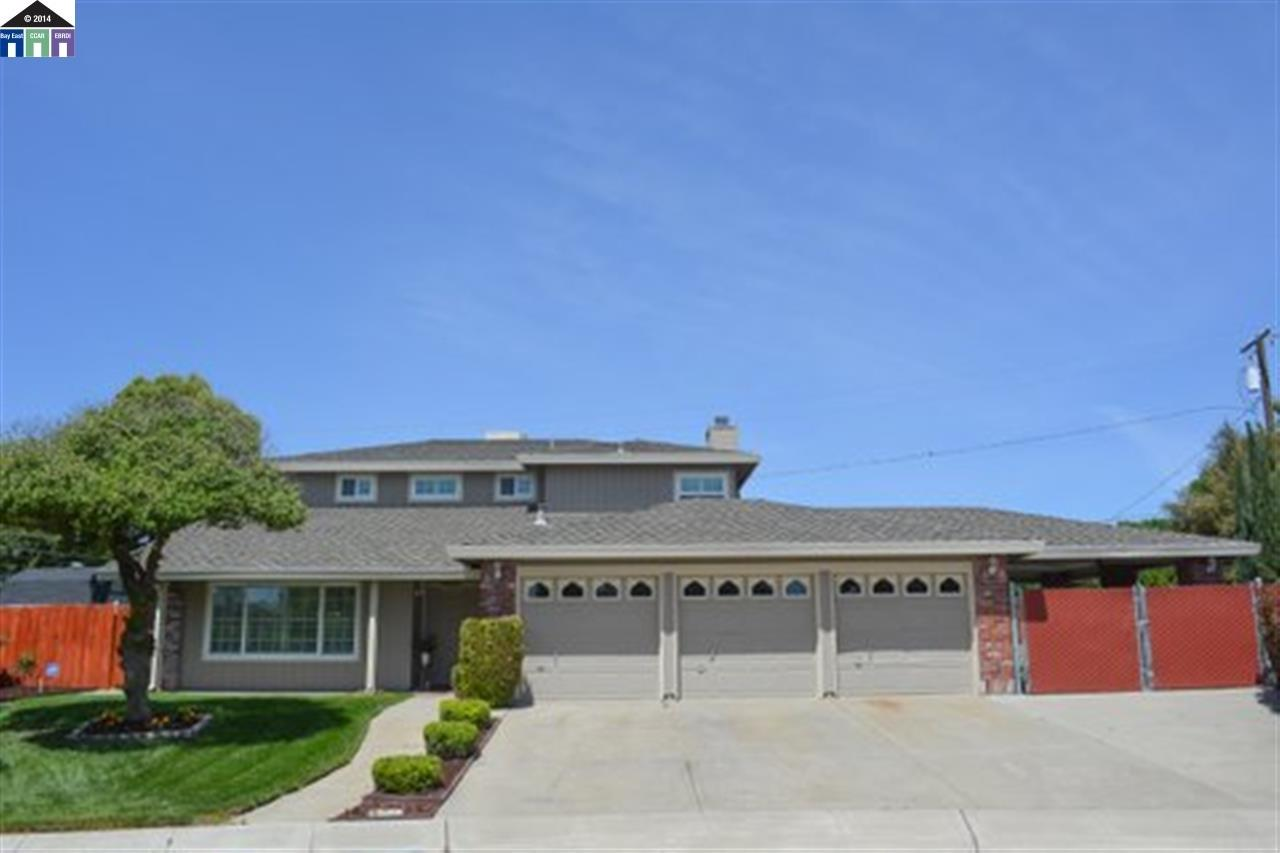1293 Daniels St Manteca Ca 4 Bed 2 5 Bath Single Family